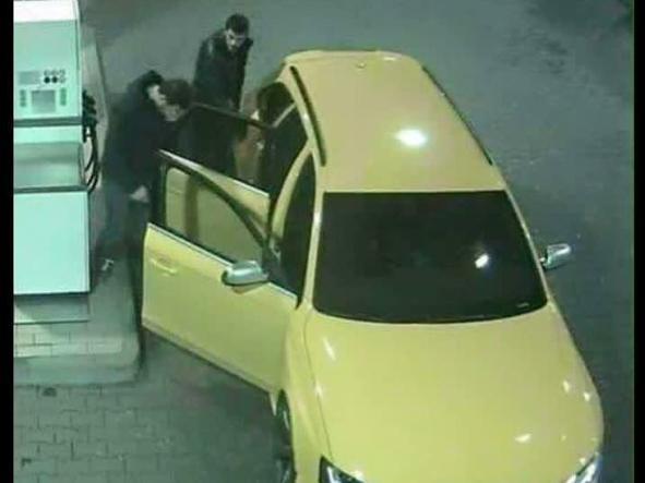 l'Audi gialla ripresa da una telecamera di sorveglianza a San Donà di Piave