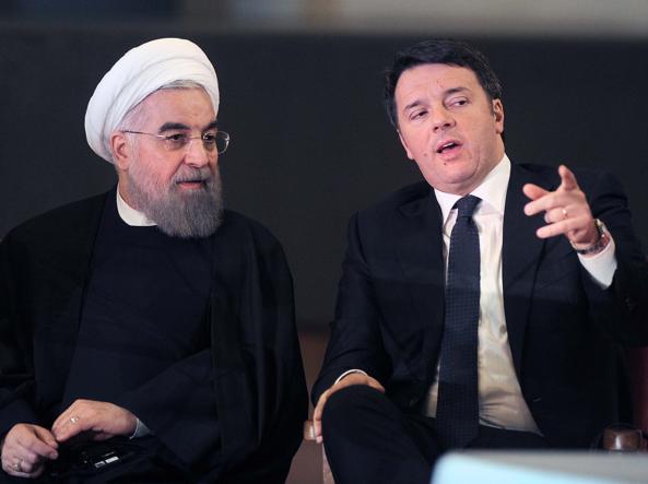 Il presidente iraniano Hassan Rouhani con il premier Matteo Renzi   (Lapresse)