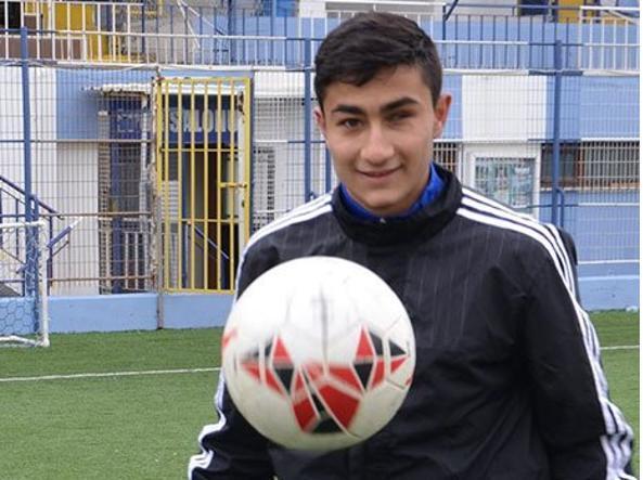 Emre Azim, 18 anni, del Tuzlaspor