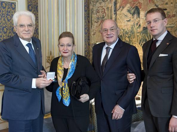 Il presidente Sergio Mattarella con Mariella Armati,  Silvano Cantamessa e  Luigi Cantamessa (foto Quirinale.it)