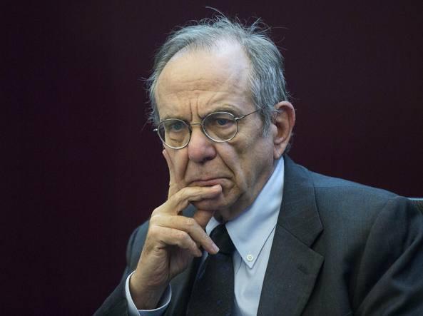 Banche, Padoan: conti Italia sotto controllo, in linea con obiettivi