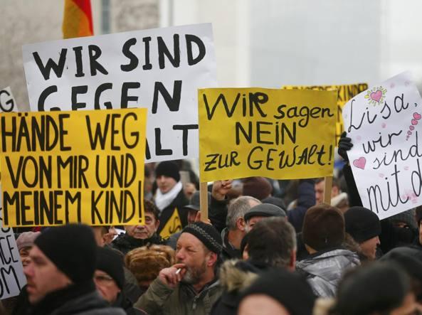 La protesta dei tedeschi di origine russa in sostegno di Lisa (Reuters)