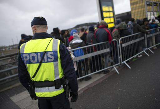 Migranti in attesa a Malmö, Svezia  (Reuters/Nilsson)