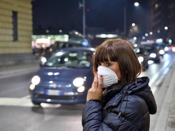 Alti i valori dell smog nelle città italiane (Fotogramma)