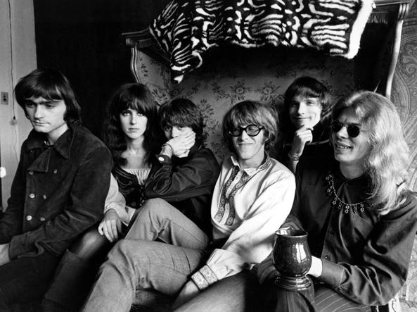 I Jefferson Airplane  in una foto del 1968: da sinistra Marty Balin, Grace Slick, Spencer Dryden, Paul Kantner, Jorma Kaukonen,   Jack Casady (Ap)