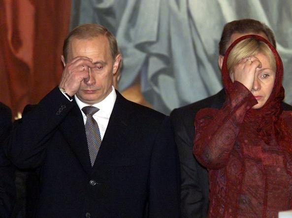 Lyudila e Vladimir Putin nel 2001