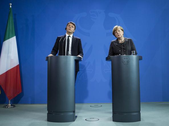 Un momento della conferenza stampa nella cancelleria di Berlino