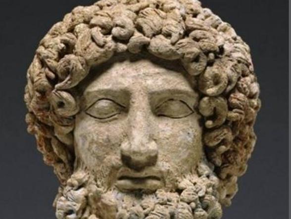 La testa di Ade restituita all'Italia