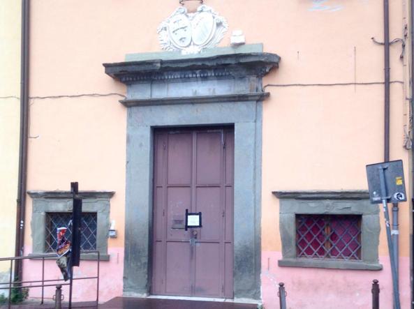 L'ingresso del Teatro Lux ora posto sotto sequestro (Ansa)