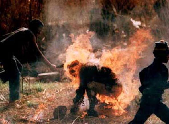 Scontri tra gli Zulu e i sostenitori dell'ANC a  Soweto, 1990 (Ap)