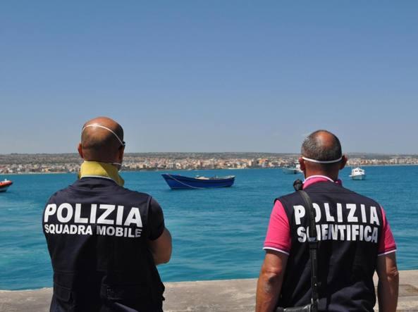 Il contributo dell'Italia per i migranti che verrà versato alla Turchia non verrà conteggiato nel deficit (Ansa)