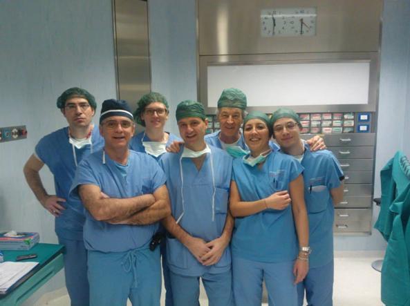 L'�quipe di chirurghi dell'Universit� di Padova (da Facebook)