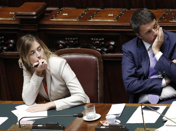 La ministra Maria Elena Boschi e il premier Matteo Renzi (Ansa)