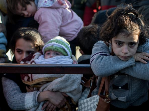 Donne e bambini a Kilis, al confine turco-siriano (Chris McGrath/Getty Images)