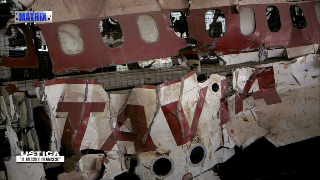 Il Dc9 ricostruito con i rottami