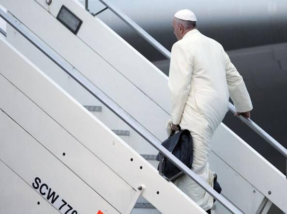 La partenza da Fiumicino del Pontefice (Ap)