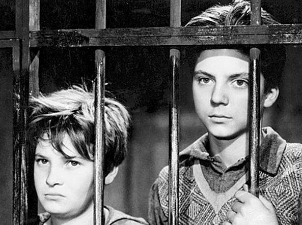 Un'immagine tratta dal film Sciuscià, di Vittorio De Sica (1946)