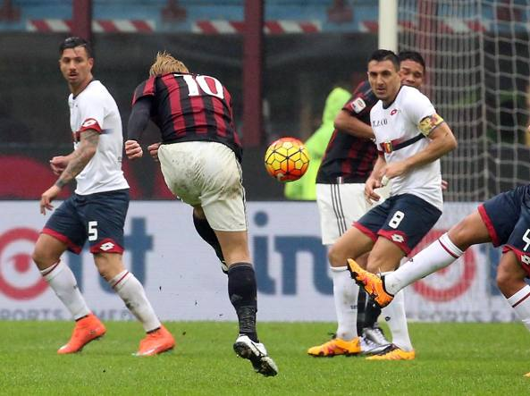 Il gol del 2-0 realizzato da Honda (Ansa/Bazzi)