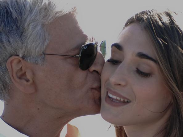 Fabrizio Bentivoglio, 59 anni, e Pilar Fogliatti, 23, in una scena del film �Forever Young� di Fausto Brizzi