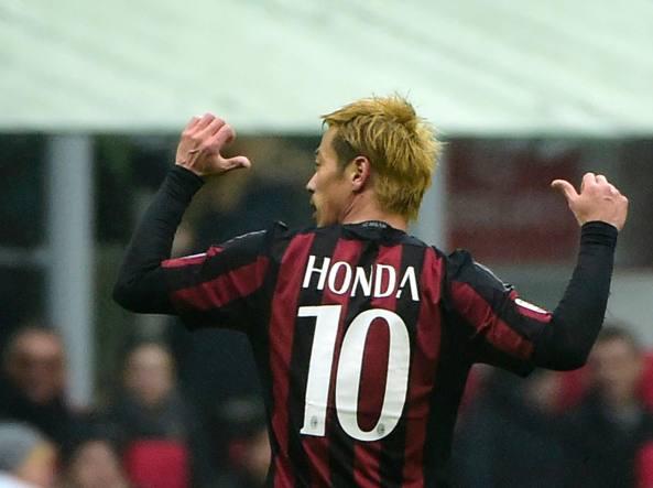 «Ho segnato proprio io», sembra dire Keisuke Honda (Afp/Morin)