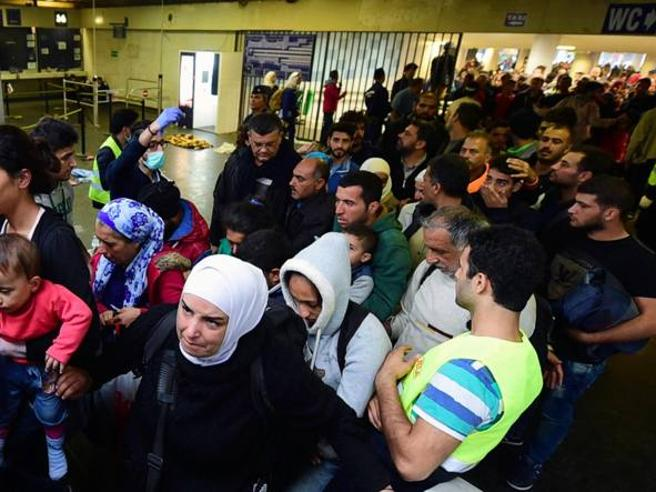 Migranti, scontro Ue-Austria «Richieste di asilo, illegale il tetto giornaliero»