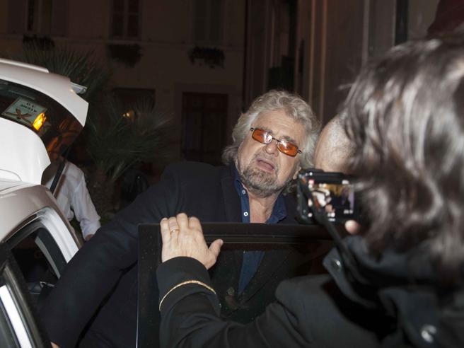 Roma, la protesta dei gayallo spettacolo di Grillo|Il video