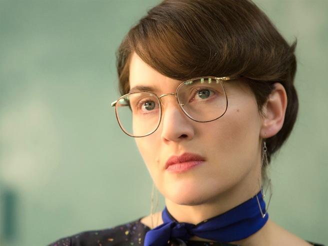 Kate Winslet scialba e occhialutaSe agli uomini piacciono le «geek»