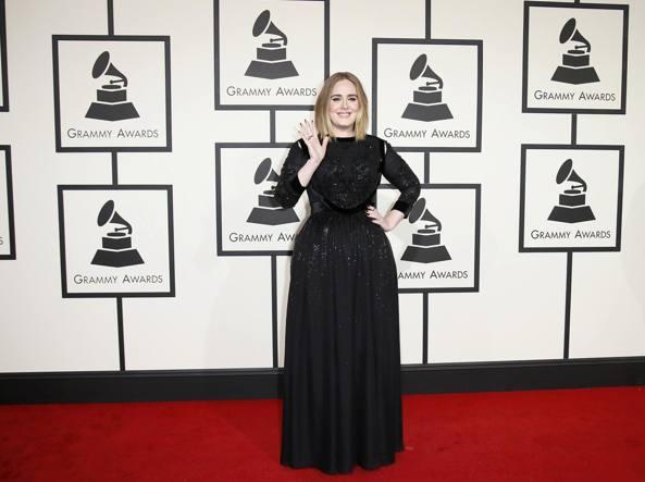 Adele, 27 anni, alla cerimonia dei Grammy Awards (reuters)