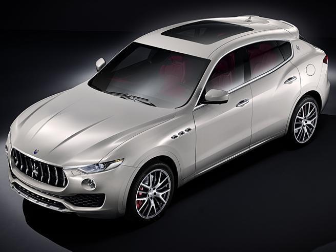 Le prime foto del Maserati Levante