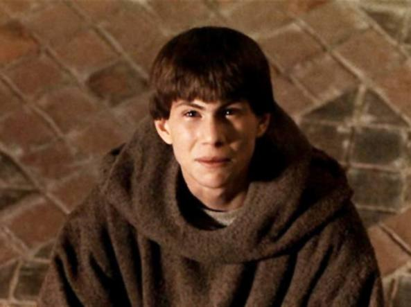 Christian Slater nei panni di Adso da Melk