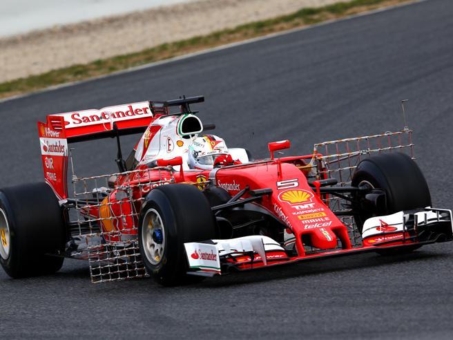 F1, al via i test a Barcellona: sul giro è sempre duello Ferrari-Mercedes