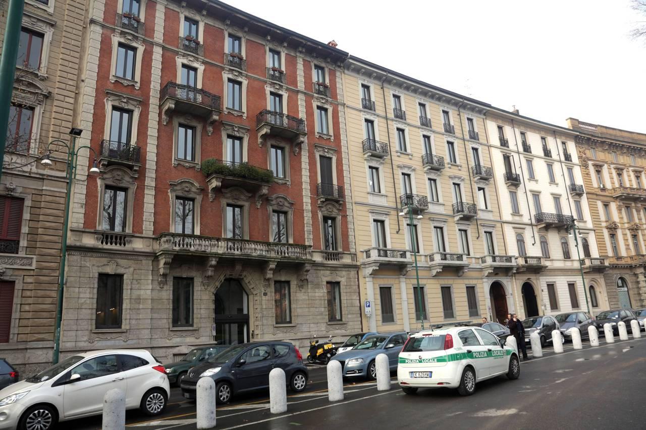 Umberto eco i funerali a milano for Casa corriere