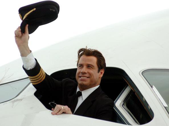 Va bene, questo è John  Travolta. Ma vestito da pilota