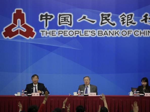 Al centro il governatore della Banca centrale cinese Zhou Xiaochuan al G-20 di Shanghai