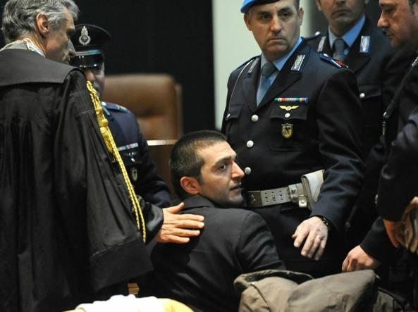 Giovanni Rasero in tribunale nel primo processo d'appello del 2012 (Ansa)