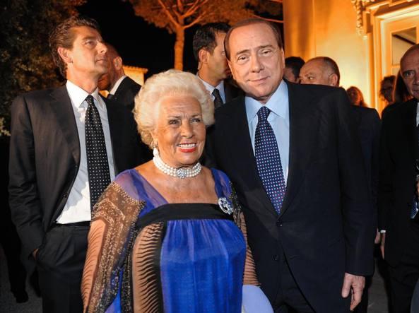 Assunta Almirante con Silvio Berlusconi (Imagoeconomica)