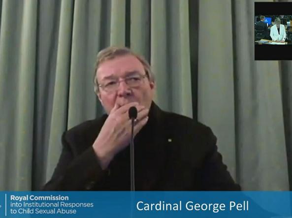 Il cardinale australiano Gregory Pell durante la deposizione alla Royal Commission governativa sui crimini pedofili nella Chiesa (Afp)