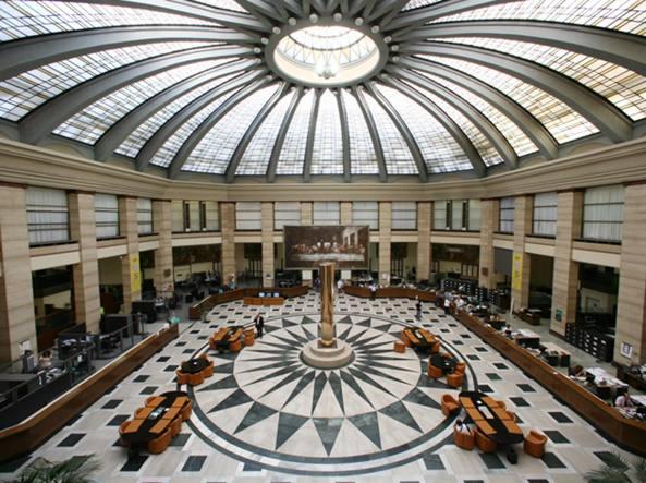 Il salone centrale della Bpm  nella sede di  piazza Meda a Milano