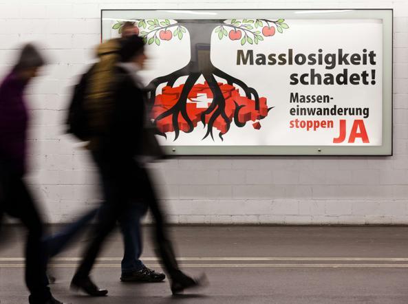 Svizzera, manifesto contro l'afflusso degli stranieri