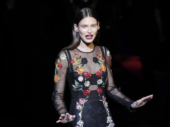 Bianca Balti alla sfilata di Dolce & Gabbana (Ap)