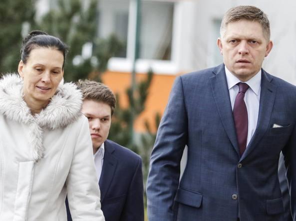 Il premier slovacco Robert Fico con la moglie Svetlana Ficova e il figlio Michal