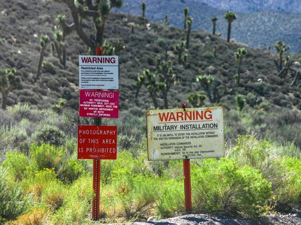 I cartelli di divieto di ingresso all'«Area 51»