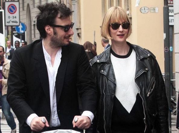 Matteo Ceccarini ed Eva Riccobono a Milano (Olycom)