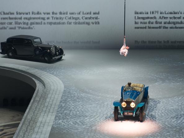 Spettacolo a Monaco per centenario della Bmw: sfilano i modelli storici seguiti dai prototipi (Getty)
