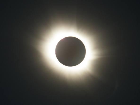 L'eclissi del 20 marzo 2015 alla base artica del Cnr a Ny Alesund, isole Svalbard (Consiglio nazionale delle ricerche)