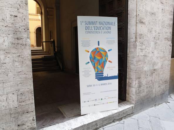 L'ingresso del Palazzo del rettorato, Siena
