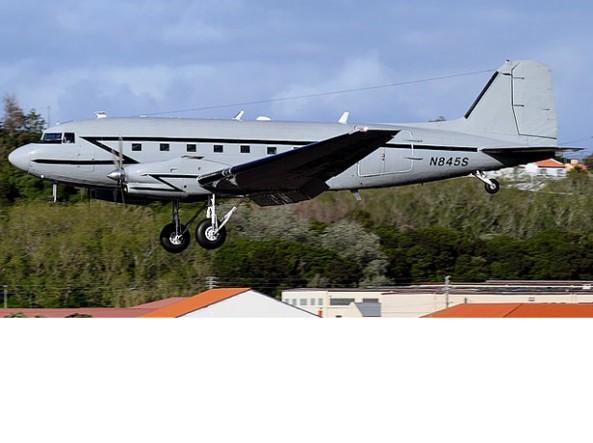Un DC 3 statunitense: a bordo ha sofisticati apparati. Segnalato da Menadefense in Algeria