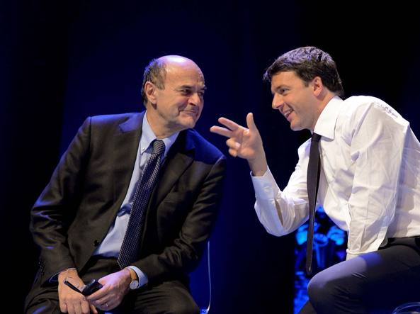 Pierluigi Bersani e Matteo Renzi (Imagoeconomica)