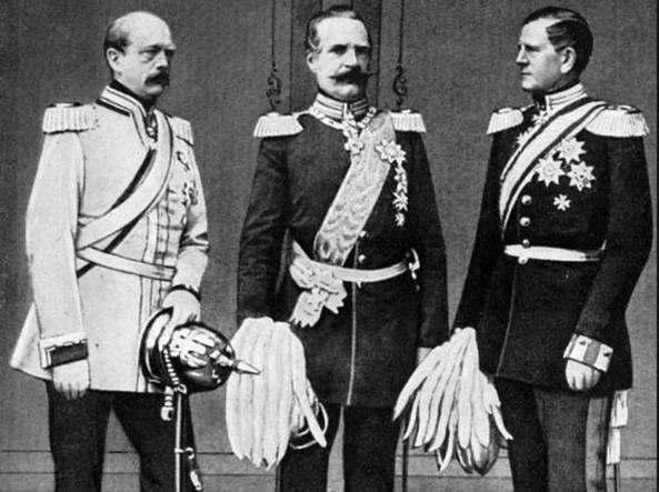 Da sinistra, Otto von Bismarck, Albrecht von Roon e Helmuth von Moltke