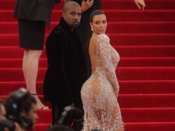 Kim Kardashian e Kanye West al Met Gala di New York, maggio 2015 (Lapresse)